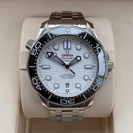 最高級コピー時計 オメガ シーマスター ダイバー300M ホワイト 210.30.42.20.04.001